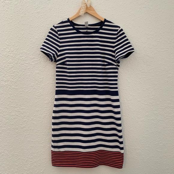 GAP Dresses & Skirts - 🌸Gap striped t-shirt dress